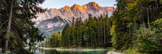 Eibsee Zugspitze Alpenglühen
